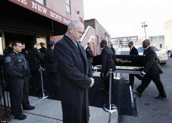 Похороны Уитни Хьюстон в баптистской церкви Новой надежды. Фоторепортаж. Фото с сайта nbcnewyork.com