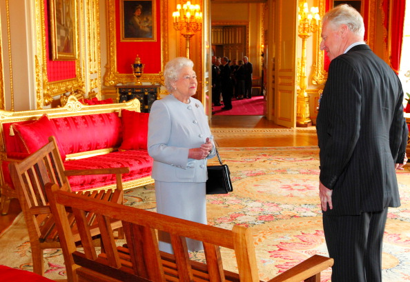 Королева Елизавета II встретилась с представителями Ассоциации королевских инженеров. Фоторепортаж. Фото: Chris Ison - WPA Pool/Getty Images