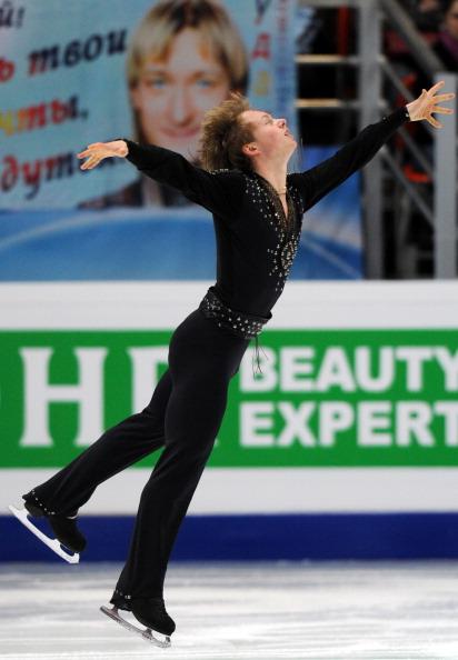 Во дворце «Мегаспорт» на Ходынке прошел первый день ЧМ по фигурному катанию. Фото: ALEXANDER NEMENOV/ YURI KADOBNOV/AFP/Getty Images