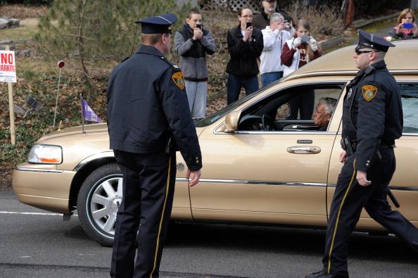Похороны Уитни Хьюстон на кладбище Fairview  в Вестфелде (Нью-Джерси).  Фоторепортаж. Фото: John W. Ferguson/Getty Images