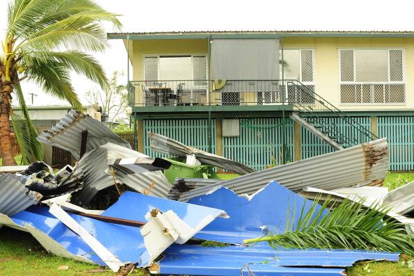 Грозовой ветер в Австралийском Таунсвилле повредил  дома и линии электропередач.  Фоторепортаж с места происшествия. Фото: Turner/Getty Images