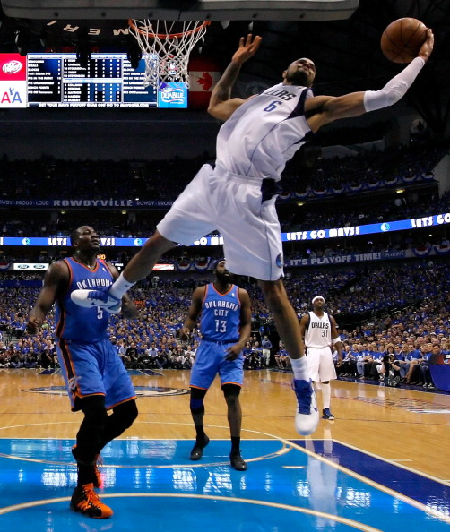 «Даллас Маверикс» и «Оклахома-Сити»  в серии плей-офф  сравняли счет, 1:1. Фоторепортаж со второй встречи команд. Фото: Ronald Martinez/Getty Images