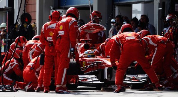Фернандо Алонсо остается в команде Ferrari до 2016 года. Фоторепортаж-фотосессия о Фернандо Алонсо. Фото: Paul Gilham/Vladimir Rys/Mark Thompson/Getty Images