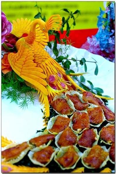 Вырезание из  овощей и фруктов – карвинг. Фото с сайта  hand-made.uol.ua
