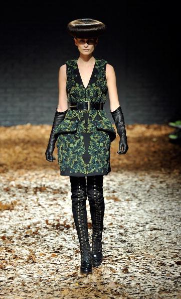 McQ Alexander McQueen на показе London Fashion Week осень-зима 2012. Фоторепортаж. Фото: Gareth Cattermole/Getty Images