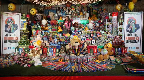 Автобус с рождественскими подарками для детей от Barclaycard Kindness Offensive в Лондоне. Фоторепортаж. Фото: Oli Scarff/Getty Images