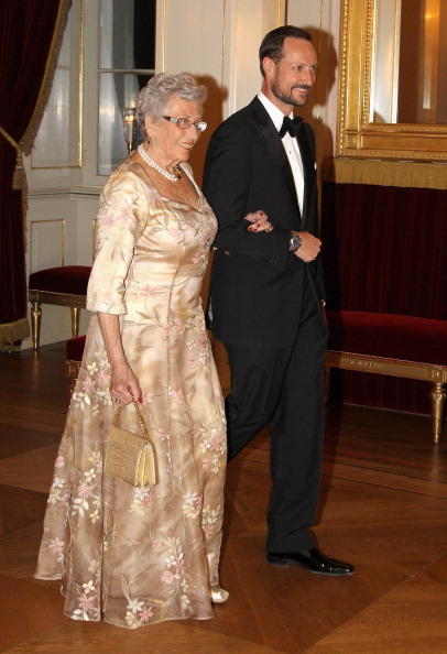 Наследный принц Хокон и принцесса Астрид на банкете в Норвежском королевском дворце. Фоторепортаж. Фото: Chris Jackson/Getty Images