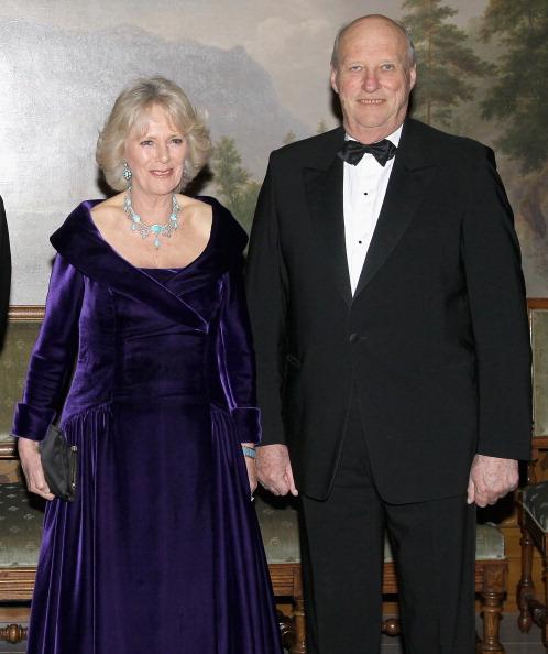 Камилла, герцогиня Корнуольская, и король Норвегии Харальд на банкете в Норвежском королевском дворце. Фоторепортаж. Фото: Chris Jackson/Getty Images