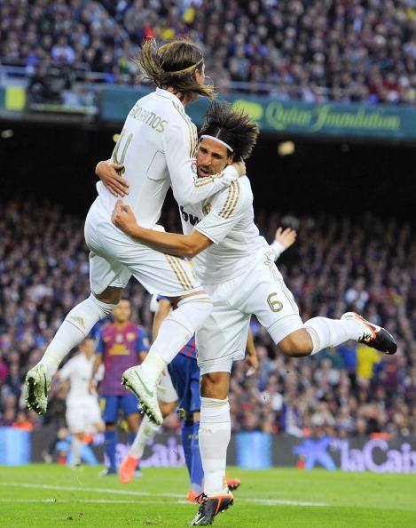 «Реал Мадрид» празднует победу над «Барселоной».  Фоторепортаж и видео с матча.  Фото: Denis Doyle/Getty Images