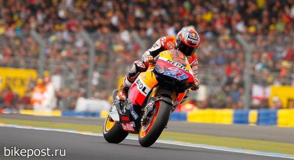Гибель Марко Симончелли в мотогонке MotoGP на автодроме в Малайзии. Фото с сайта bikepost.ru