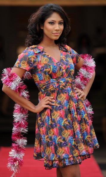 Рождественская коллекция одежды дизайнера Bella Vita в Шри-Ланке. Фоторепортаж. Фото: Ishara S.KODIKARA/AFP/Getty Images