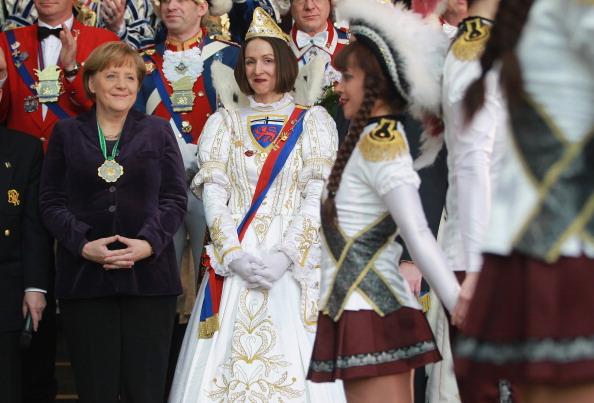 Ангела Меркель на карнавале княжеских пар (Carnival Princely Pairs). Фоторепортаж. Фото: Sean Gallup/Getty Images
