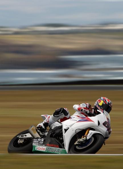 На треке Филип-Айленда  впереди – британец Джонатан Реа. Фоторепортаж с трека. Фото: Mirco Lazzari gp/Getty Images