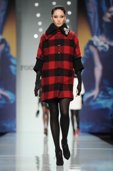 Тренд сезона — клетка, в коллекции Roccobarocco осень-зима 2012/2013 на показе моды в Милане. Фоторепортаж. Фото: Tullio M. Puglia/Getty Images