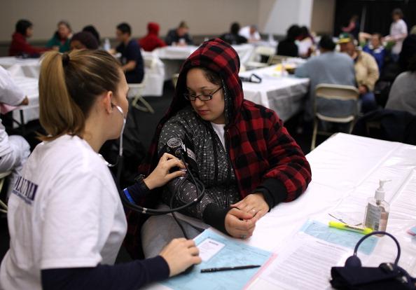 Бесплатный медицинский центр для бедных работает в  Калифорнии. Фоторепортаж. Фото: Justin Sullivan/Getty Images