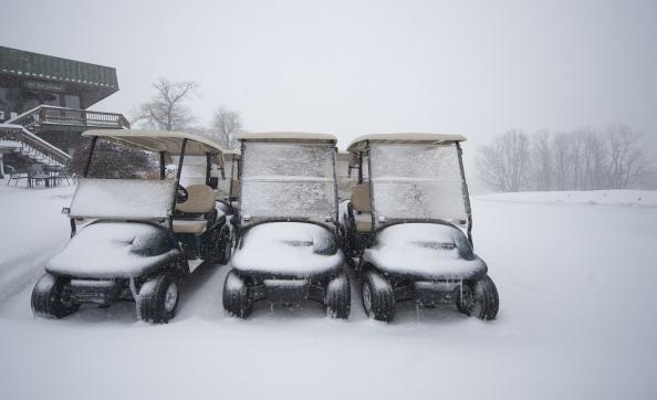 Снег засыпал цветущие сады в Пенсильвании. Фоторепортаж. Фото: Jeff Swensen/Getty Images