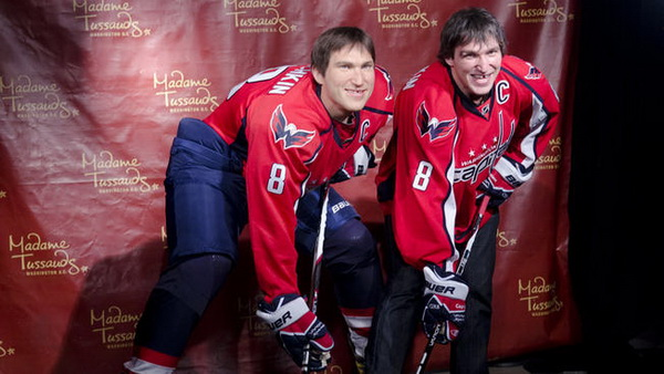 Хоккеист Александр Овечкин представил своего двойника. Фото и видео из музея мадам Тюссо. Фото с сайта nhl.com