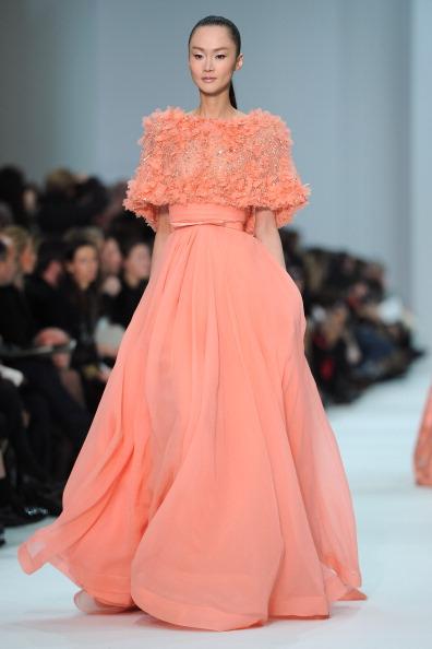 Эли Сааб представил свою коллекцию на неделе высокой моды  в Париже.  Фоторепортаж. Фото:  Pascal Le Segretain/Getty Images