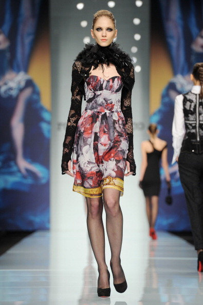 Платья, юбки, блузки, комбинезоны из коллекции Roccobarocco осень-зима 2012/2013 на показе моды в Милане. Фоторепортаж. Фото: Tullio M. Puglia/Getty Images