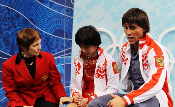 Тамара Москвина и ее подопечные Юко Кавагутти и Александр Смирнов.  Фото:  Matthew Stockman/Getty Images