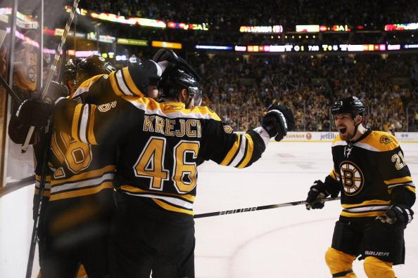 «Бостон Брюинз» победил «Тампу-Бэй»  в серии плей-офф и вышел в финал кубка Стэнли. Фоторепортаж с матча. Фото: Elsa / Jim Rogash / Getty Images