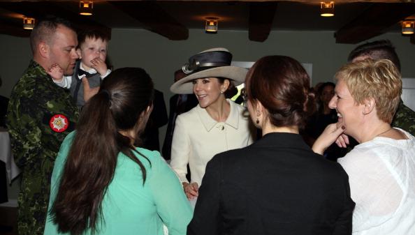 Кронпринцесса Дании Мэри в Копенгагене вместе с Камиллой и принцем Чарльзом посетили национальный мемориал. Фоторепортаж. Фото: Chris Jackson - Pool/Getty Images