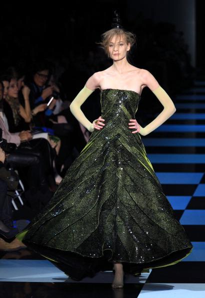 Коллекция Джорджио Армани на неделе высокой моды  в Париже.  Фоторепортаж. Фото:  PIERRE VERDY/AFP/Getty Images