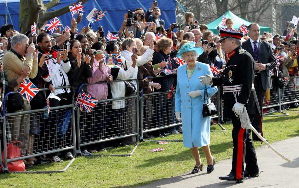 Королева Елизавета II в честь юбилея своего правления посетила парк Святого Валентина в Лондоне. Фоторепортаж.  Фото:  Chris Jackson/Getty Images