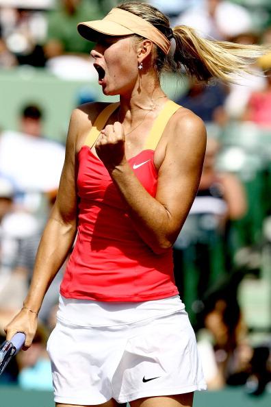 Мария Шарапова  выиграла  у Каролин Возняцки и вышла в финал. Фоторепортаж с  Sony Ericsson Open. Фото: Al Bello/Getty Images