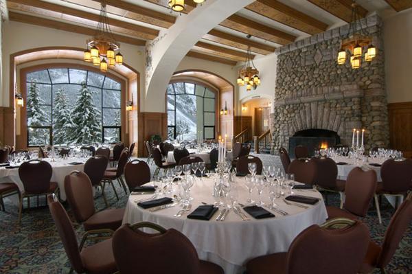 Отель  Fairmont Chateau Lake Louise в горах Канады. Фоторепортаж.  Фото с сайта fresher.ruФото с сайта fresher.ru
