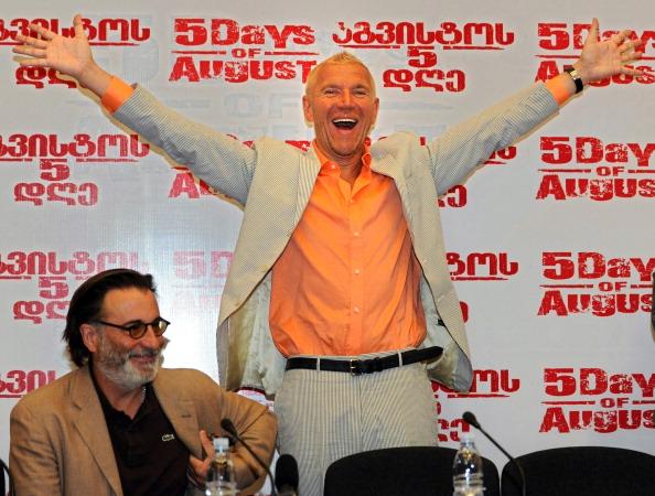 Шэрон Стоун  и Энди Гарсиа прибыли в Тбилиси на премьеру фильма  «Пять дней в августе».  Фото:  VANO SHLAMOV/VIKTOR DRACHEV/AFP/Getty Images