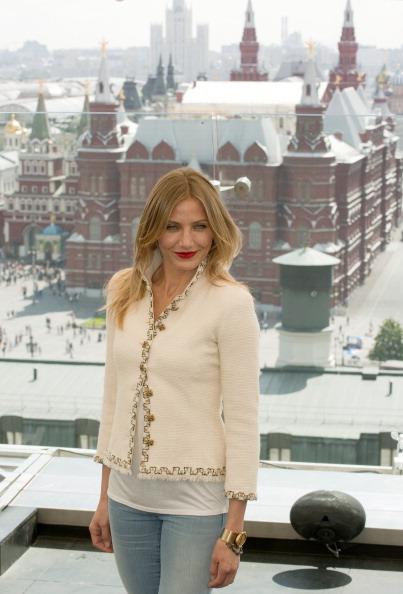 Камерон Диас  прибыла в Россию на презентацию фильма  Bad teacher. Фото: NATALIA KOLESNIKOVA/AFP/Getty Images