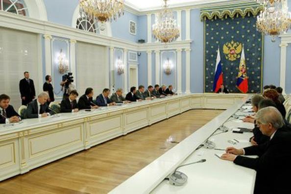 В Бюджетном послании президента на 2012–2014 годы Дмитрий Медведев обещает увеличить пенсии. Фото: kremlin.ru