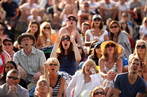 Фоторепортаж о  фанатах во время игры Энди Маррея  с  Рафаэлем Надалем.  Фото:  Oli Scarff /Getty Images