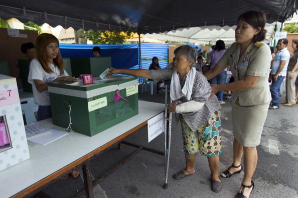 Йинглак Чинават – первая женщина, которая станет премьер-министром Таиланда. Фото: Athit Perawongmetha/Getty Images