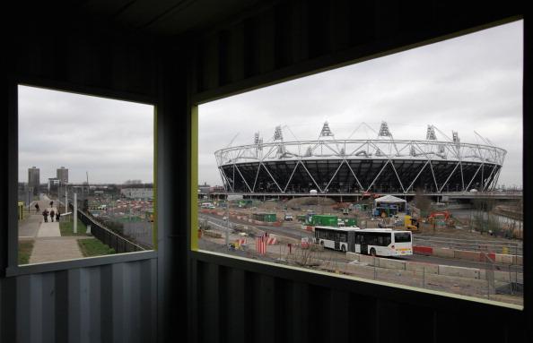 Лондон-2012. Олимпийский стадион в Лондоне готовится принять 80000 зрителей. Фото общего вида Олимпийского стадиона, сделанное 7 июля 2011 года. Фото: Julian Finney/Getty Images