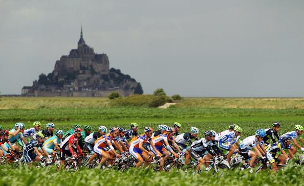 Шестой этап велогонки Tour de France выиграл Эдвальд Боассон Хаген из Норвегии. Фото: Michael Steele/ JOEL SAGET /PASCAL PAVANI/AFP/Getty Images