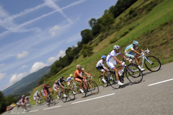 Четырнадцатый этап велогонки Tour de France выиграл Йелле Ванендерт. Фоторепортаж с трассы. Фото: Michael Steele/ JOEL SAGET /PASCAL PAVANI/ LIONEL BONAVENTURE /AFP/Getty Images