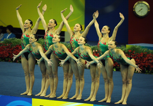 Российская команда по синхронному плаванию завоевала золото на чемпионате мира FINA. Фото:  Adam Pretty / PETER PARKS /FRANCOIS XAVIER MARIT/AFP/Getty Images