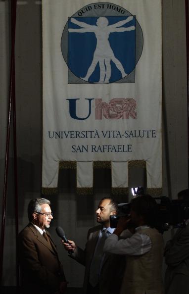В  Италии застрелился Марио Кэл,  основатель больницы Святого Рафаэля.  Фоторепортаж из Милана.  Фото: Vittorio Zunino Celotto/Getty Images