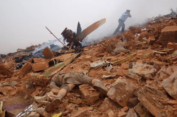 Фоторепортаж с места крушения самолета Hercules C-130 в Марокко. Фото:  AFP/Getty Images