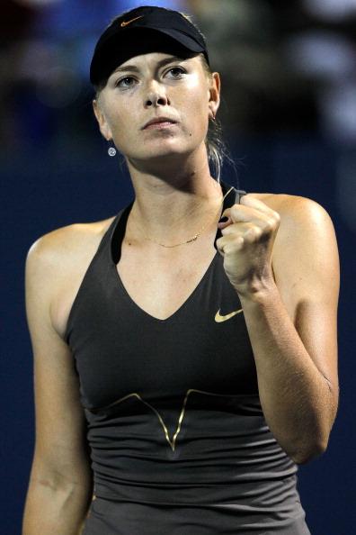 Мария Шарапова вышла в четвертьфинал  турнира  в Стэнфорде. Фото:  Matthew Stockman/Getty Images