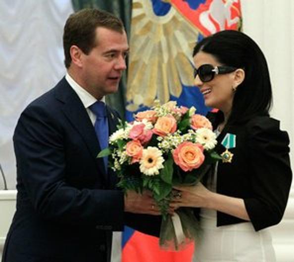 Дмитрий Медведев в Кремле вручил государственные награды. Фото: DENIS SINYAKOV/AFP/Getty Images