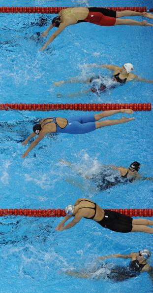 Юлия Ефимова завоевала вторую серебряную медаль на ЧМ в Шанхае. Фото: Clive Rose/ /MARK RALSTON/AFP/Getty Images