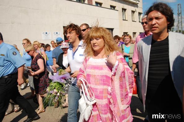 «Новая Волна» Алла Пугачева покинула Латвию. Фото с сайта mixnews.lv