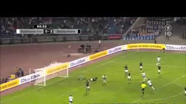 Лучший гол Хамита  Алтынтопа.  Фото с сайта  germanfootball.org