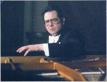 Пианист Николай Петров. Фото с сайта  intoclassics.net