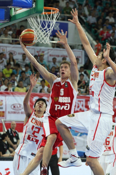 Студенческая  сборная России по баскетболу вышла  в финал турнира Кубка Станковича. Фото: STR/AFP/Getty Images