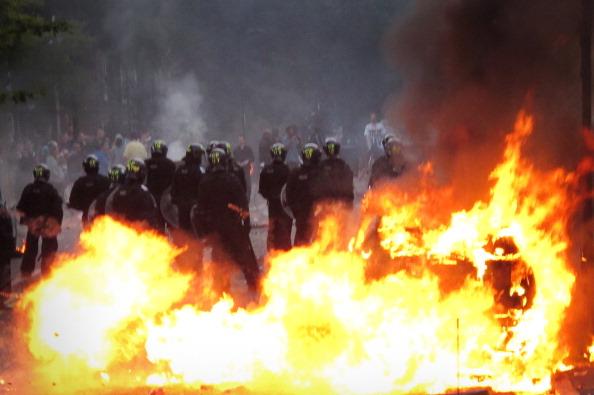 Четыре мощных взрыва прогремели в Лондоне. Фото: Dan Kitwood/ Matthew Lloyd/Getty Images