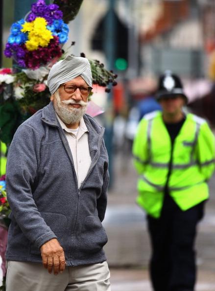 Первая тихая ночь с начала погромов в Лондоне. Фото: Jeff J Mitchell/Dan Kitwood /Getty Images